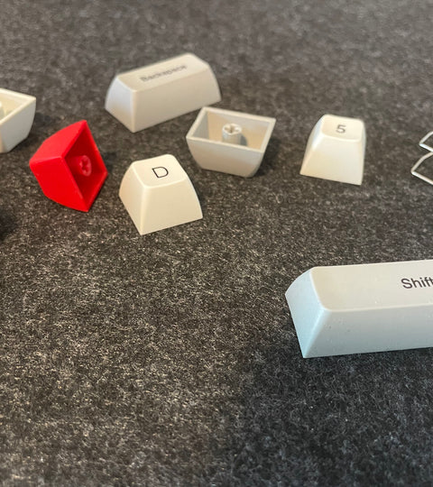 What do the Differences Between ABS and PBT mean for Keycaps