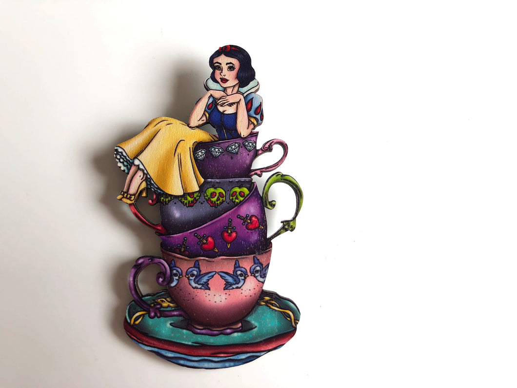 NEW LARGER Teacup Snow White - Snow White and the Seven Dwarfs - Laser Cut Wood Brooch