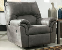 Bladen Signature Design by Ashley Recliner