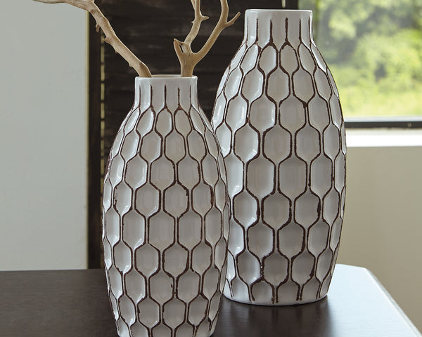 Dionna Signature Design by Ashley Vase Set of 2