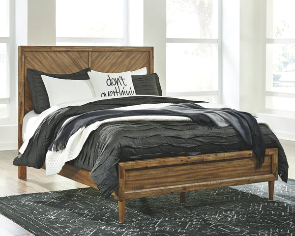 Broshtan Signature Design by Ashley Bed