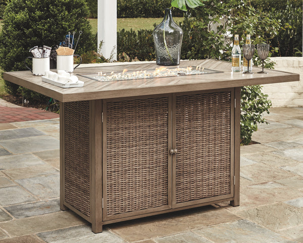 Beachcroft Signature Design by Ashley Pub Table