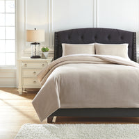 Mayda Signature Design by Ashley Comforter Set Queen