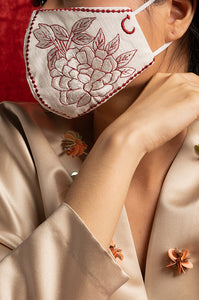 RED EMBROIDERED ANAIS EARLOOP CLOTH MASK