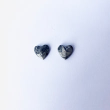Load image into Gallery viewer, Concrete Heart Stud Earings