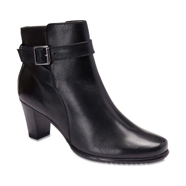 Alaska Boot in Black Leather