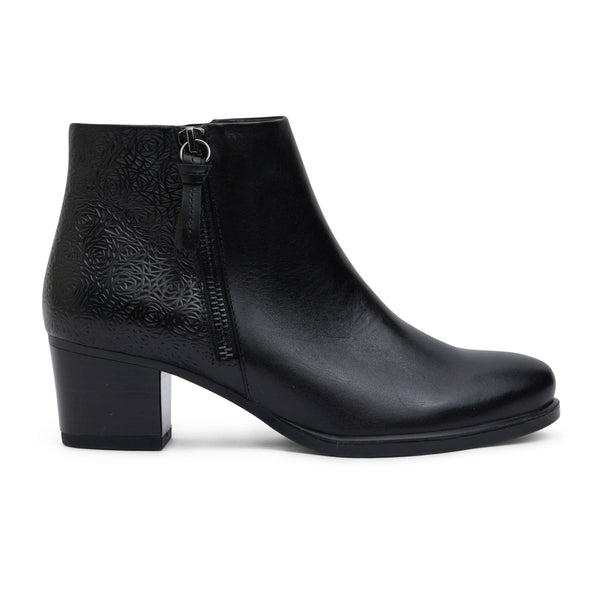 Cafe Boot in Black Leather
