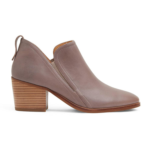 Denzel Boot in Taupe Leather
