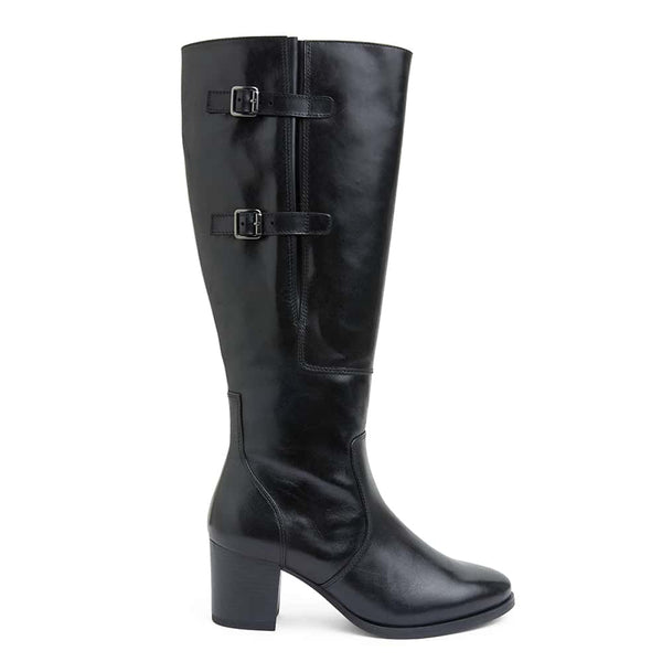 Dictate Boot in Black Leather