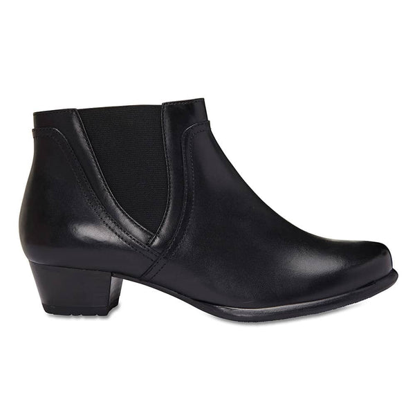 Dion Boot in Black Leather