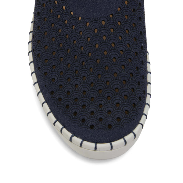 Dot Sneaker in Navy