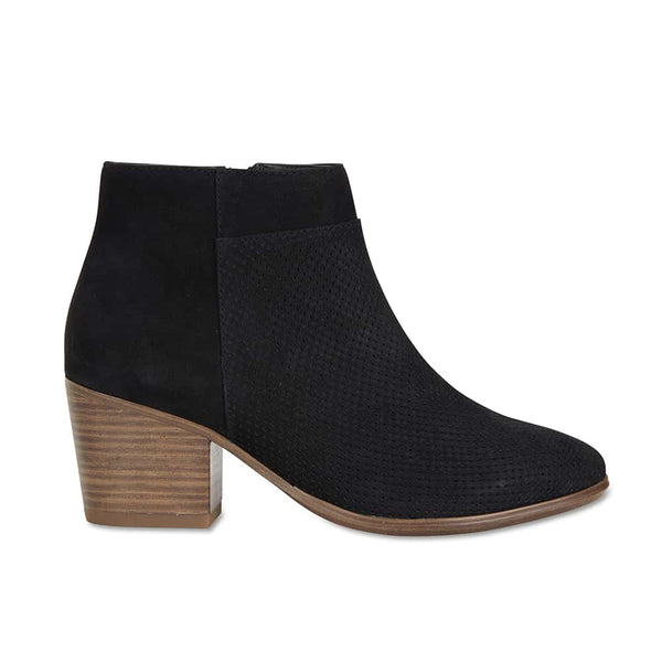 Dover Boot in Black Nubuck