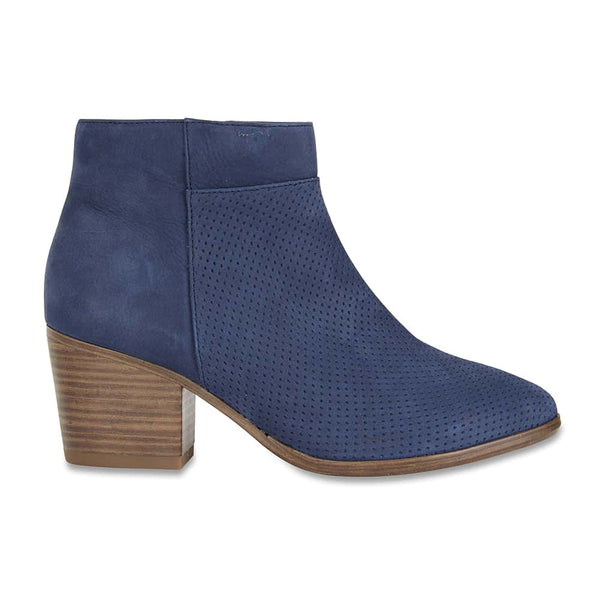 Dover Boot in Navy Nubuck