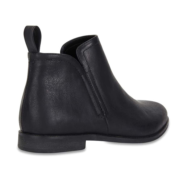 Earth Boot in Black Smooth
