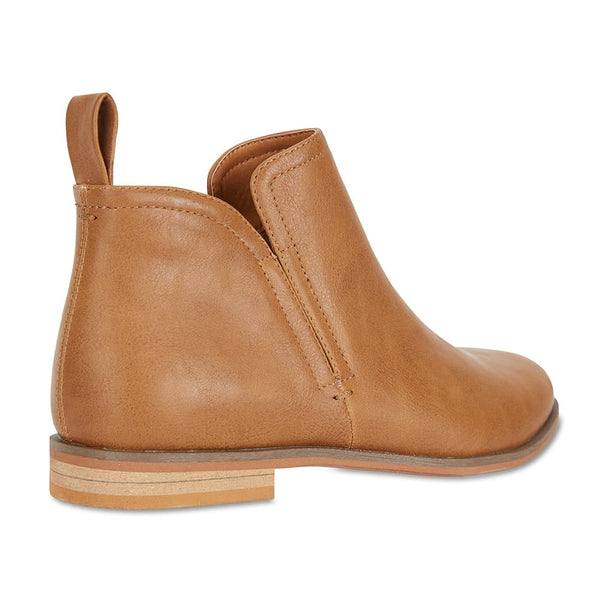 Earth Boot in Tan Smooth