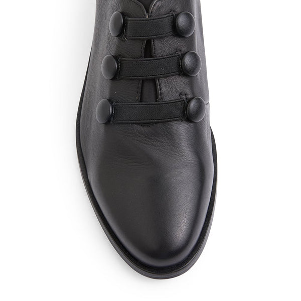 Edison Loafer in Black Leather