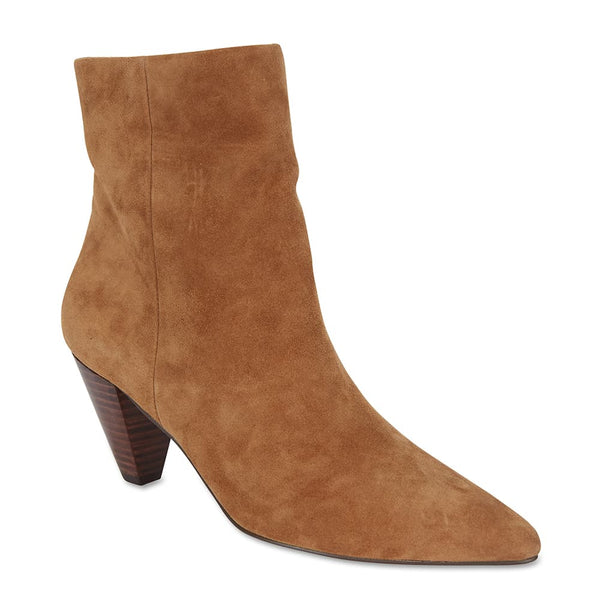 Event Boot in Tan Suede