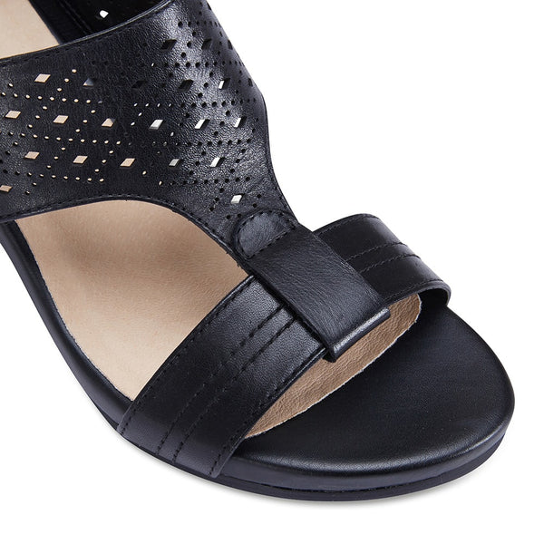 Fonda Heel in Black Leather