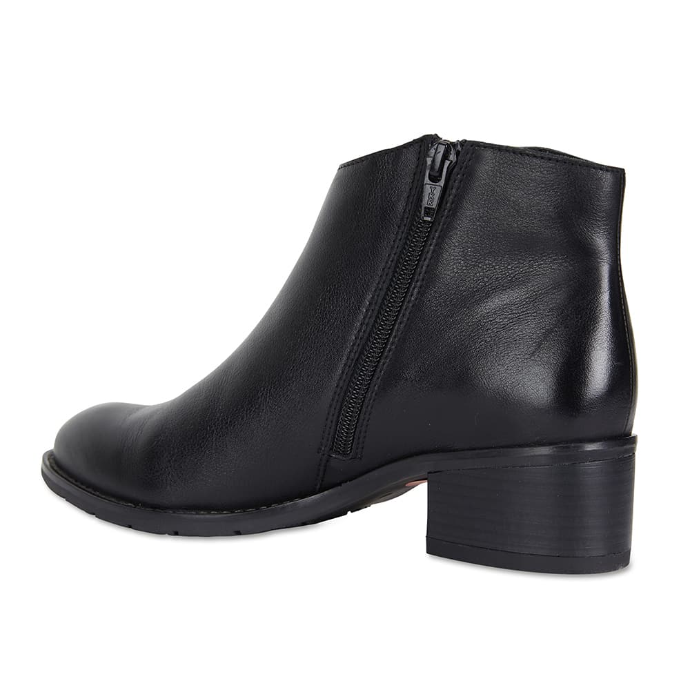 Franklin Boot in Black Leather