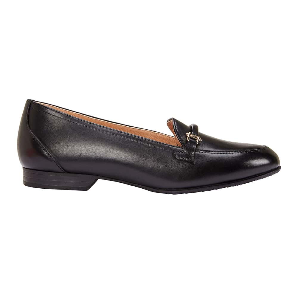 Glebe Flat in Black Leather