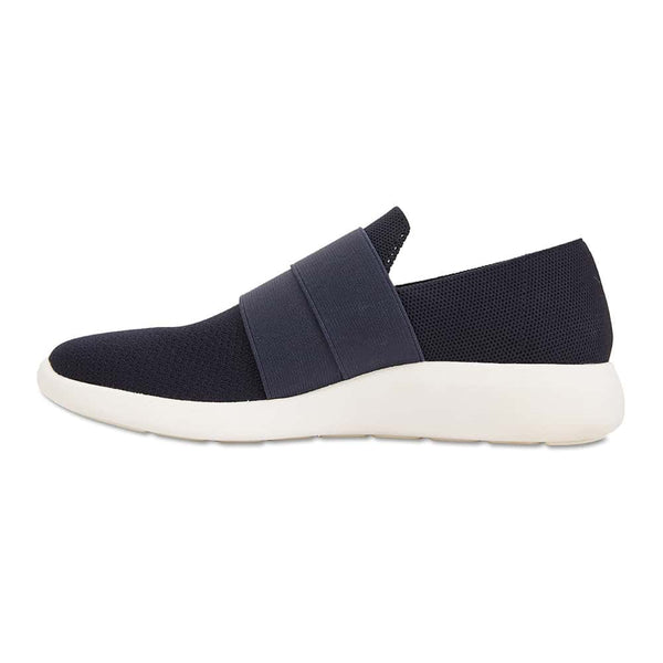 Guide Sneaker in Navy Fabric