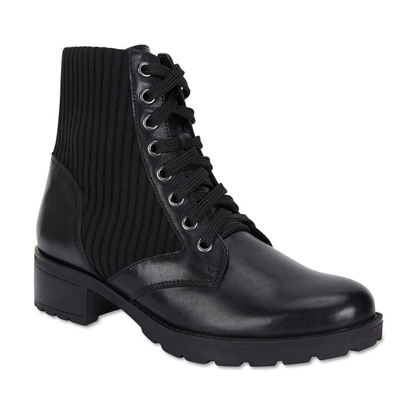 Ireland Boot in Black Leather