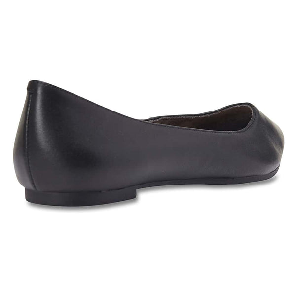 Lucia Flat in Black Leather