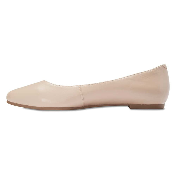 Lucia Flat in Nude Leather