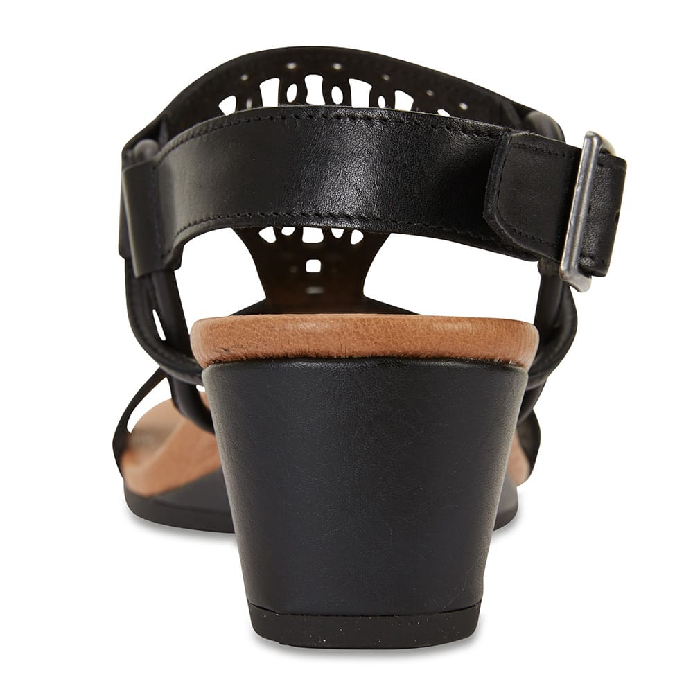 Magnet Heel in Black Leather