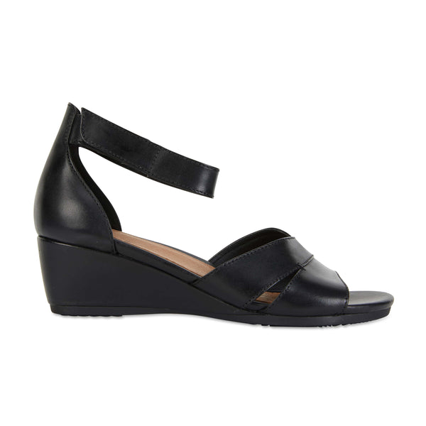 Martha Heel in Black Leather