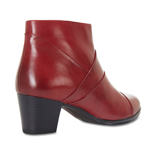 Marvin Boot in Red Leather