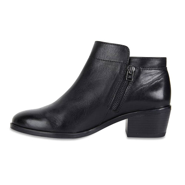 Mentor Boot in Black Leather