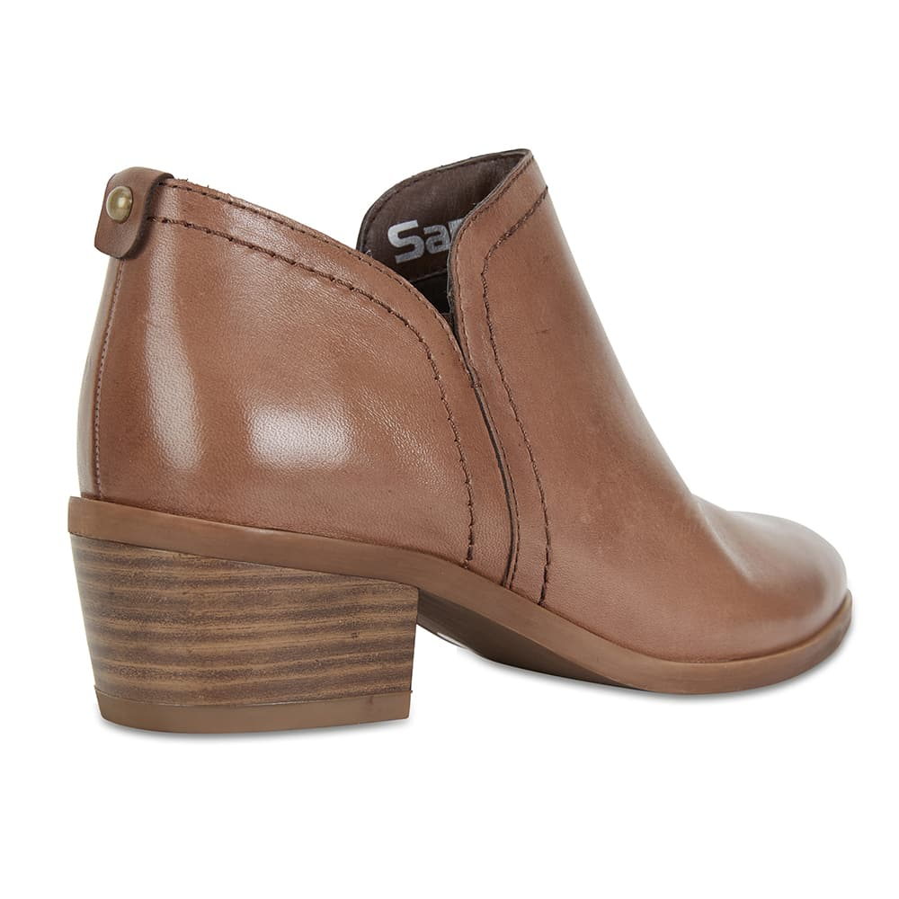Miller Boot in Taupe Leather