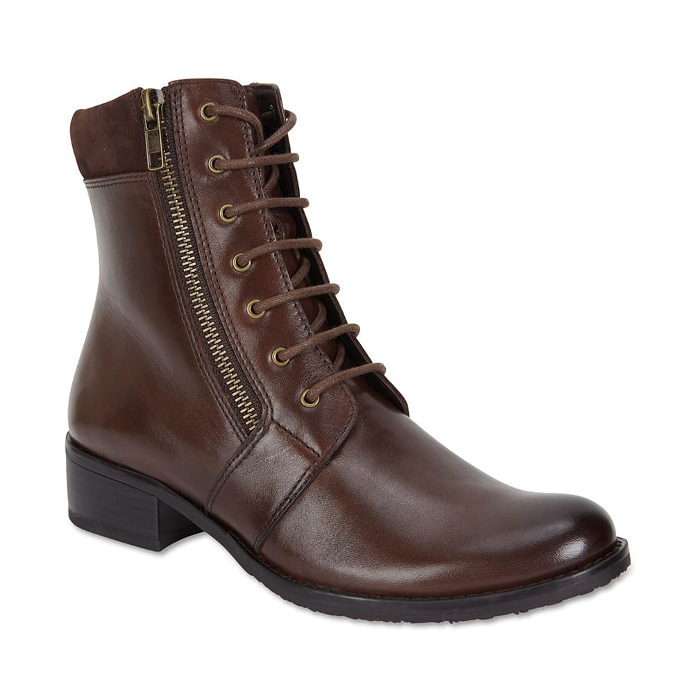 Nairobi Boot in Brown Leather