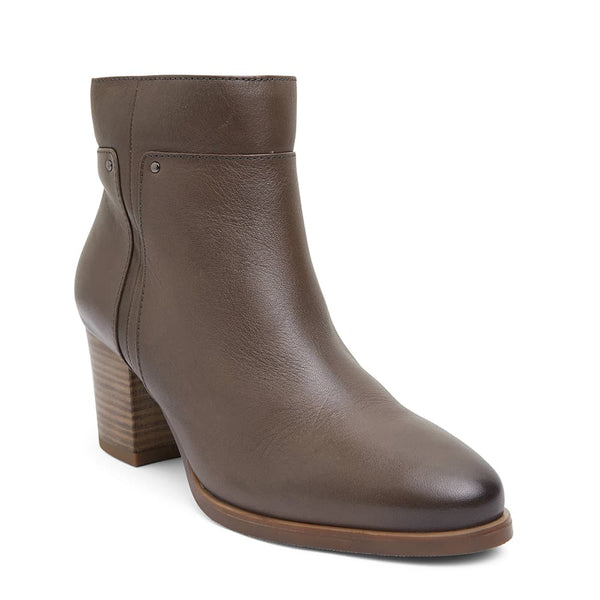 Newton Boot in Khaki Leather