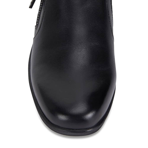 Noble Boot in Black Leather