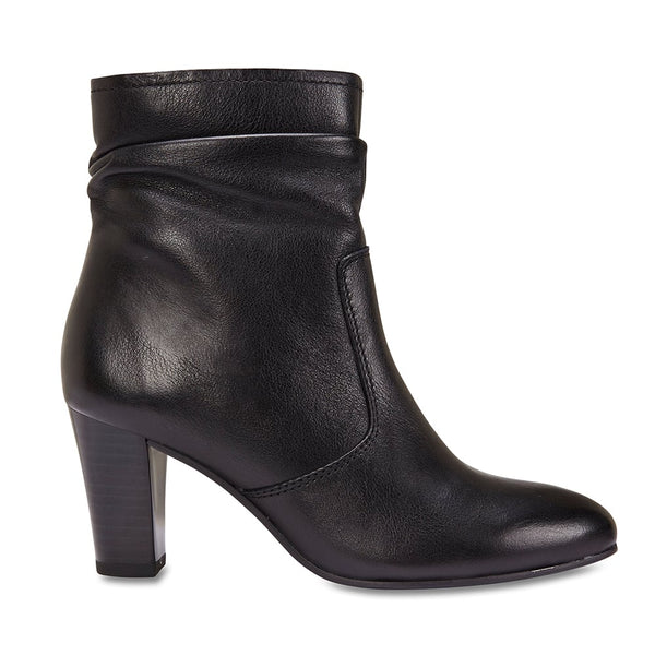 Pippa Boot in Black Leather