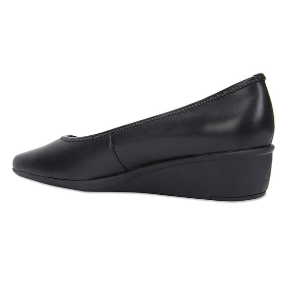 Prism Heel in Black Leather