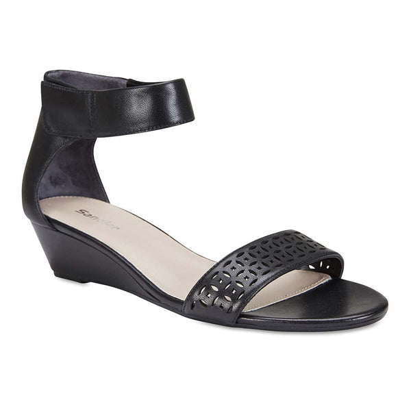 Quiz Heel in Black Leather