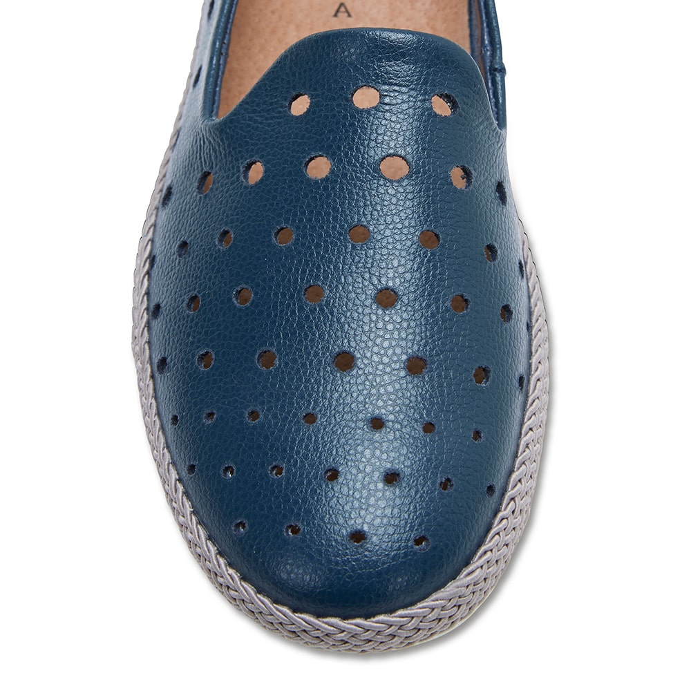 Roslyn Loafer in Navy Leather