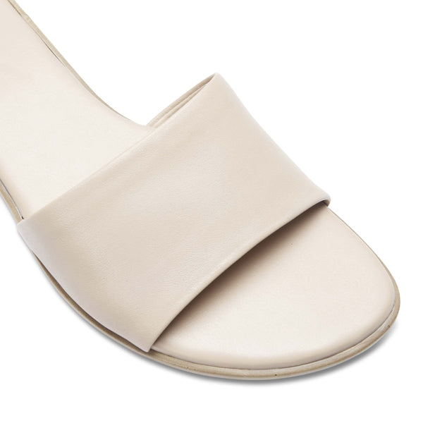 Saga Slide in Nude Leather