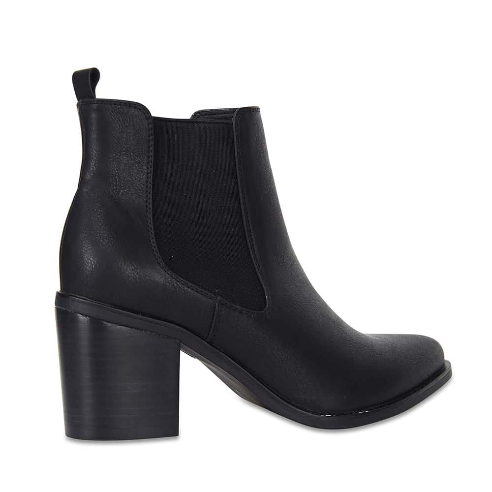 Salute Boot in Black Smooth
