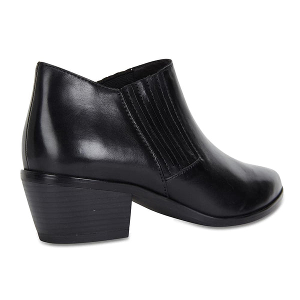 Society Boot in Black Leather