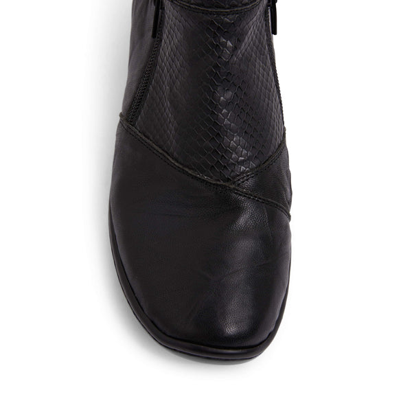 Vault Boot in Black Leather