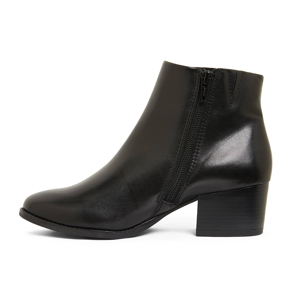 Vera Boot in Black Leather