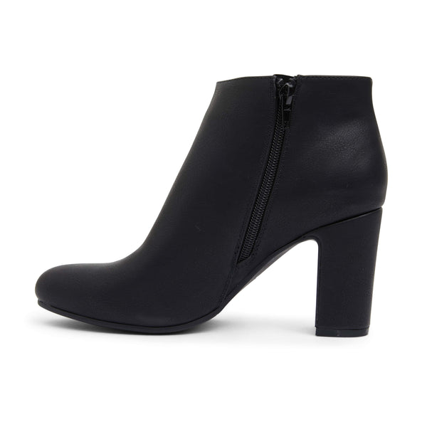 Zinger Boot in Black Smooth