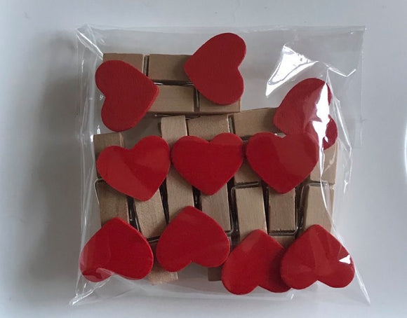 Red Heart wooden pegs 35 mm