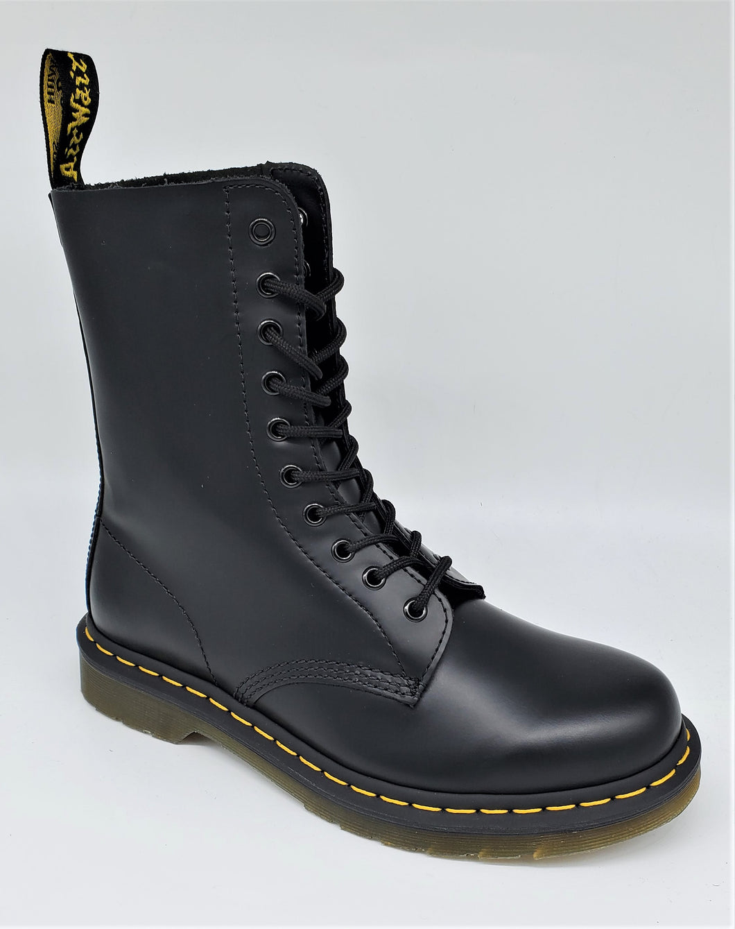 Dr. Martens 1490 Black Smooth