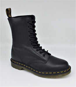 Dr. Martens 1490 Black Virginia 10 Eye 22524001