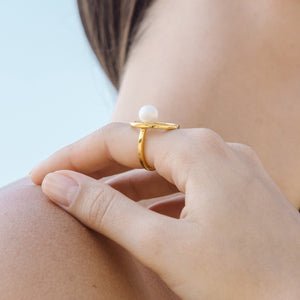 In-Trigue Gold Pearl Ring